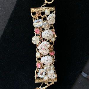 Betsey Johnson white lace skull toggle bracelet